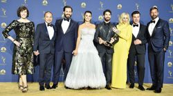 Στο χρυσό χαλί των Emmy: τα ελληνικά κοσμήματα της θεάς Σκάρλετ Γιόχανσον και το φόρεμα-υπερπαραγωγή της Πενέλοπε