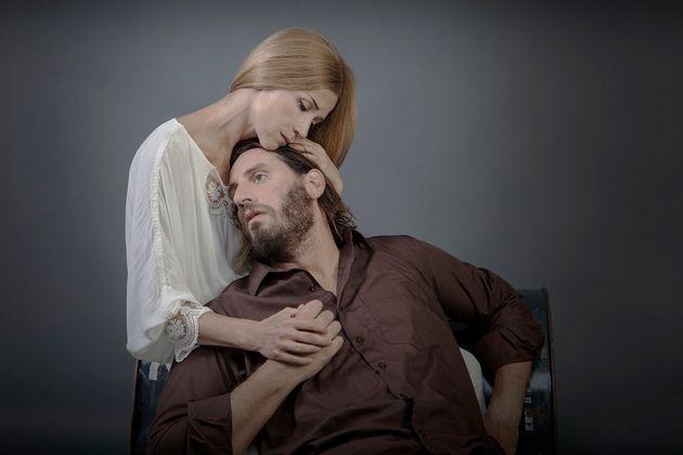 20 χρόνια θέατρο Πορεία με «Γιούγκερμαν» και έναρξη με «Το Ευχαριστημένο» της Μαρίνας Καραγάτση για λίγες