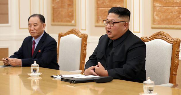 김정은 국무위원장이 18일 오후 평양 조선노동당 중앙위원회 본부 청사에서 열린 문재인 대통령과의 정상회담에서 인사말을 하고