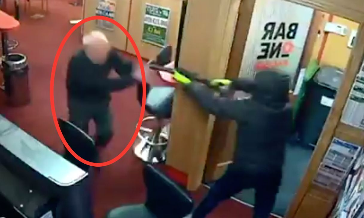 Badass Irish Great-Grandpa Fights Off Shotgun And Hammer-Wielding