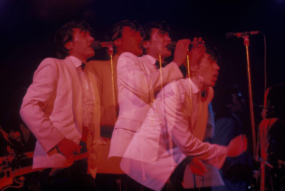 Ο Bryan Ferry και η σκοτεινή μα και τόσο ποθητή ματαιότητα του έρωτα ... 47b2e398de3
