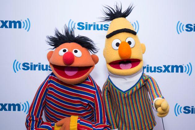 """'세서미 스트리트' 작가에 따르면 """"버트와 어니는 게이"""