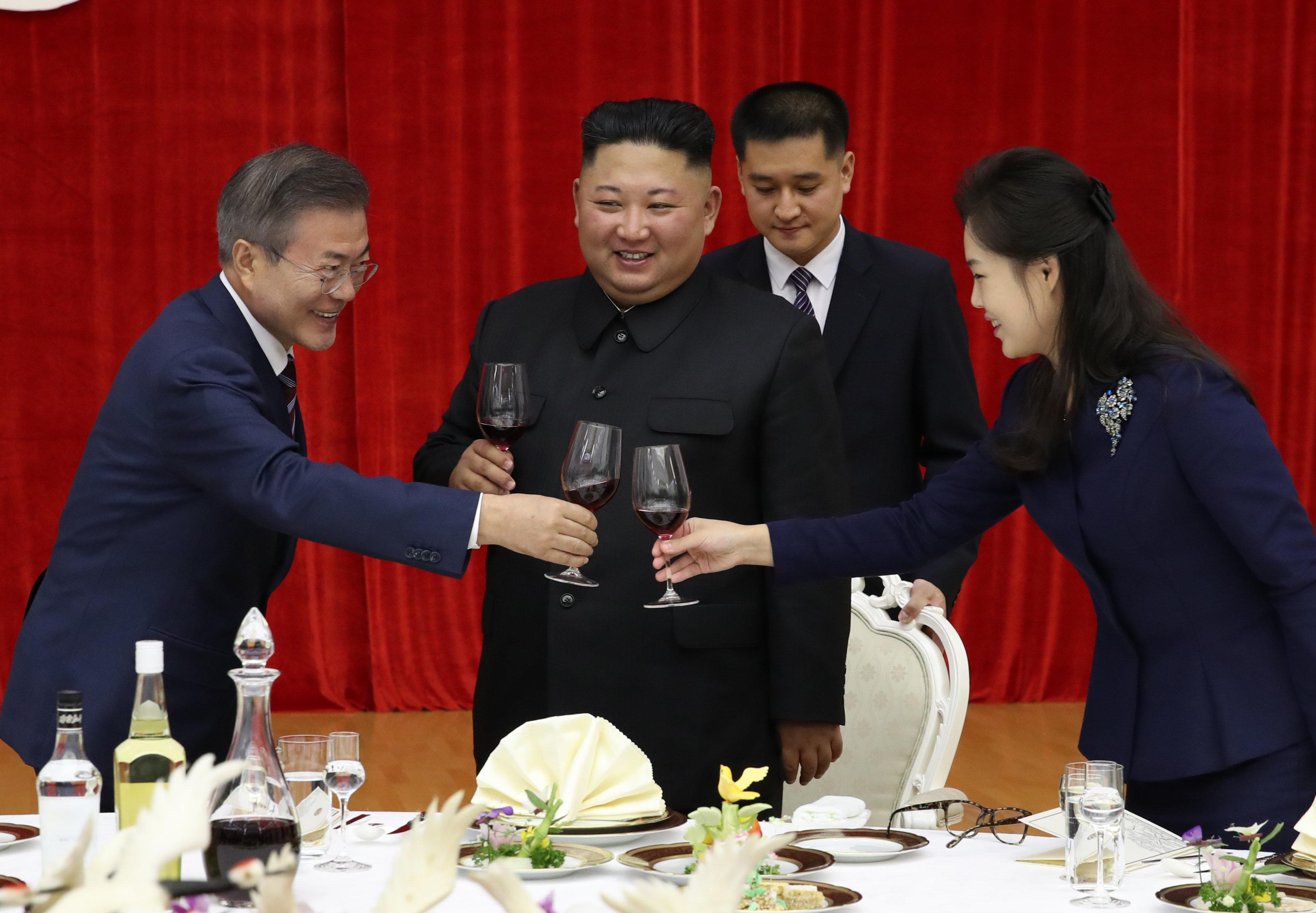목란관 만찬에서 북한이 준비한 음식 메뉴는 상당히