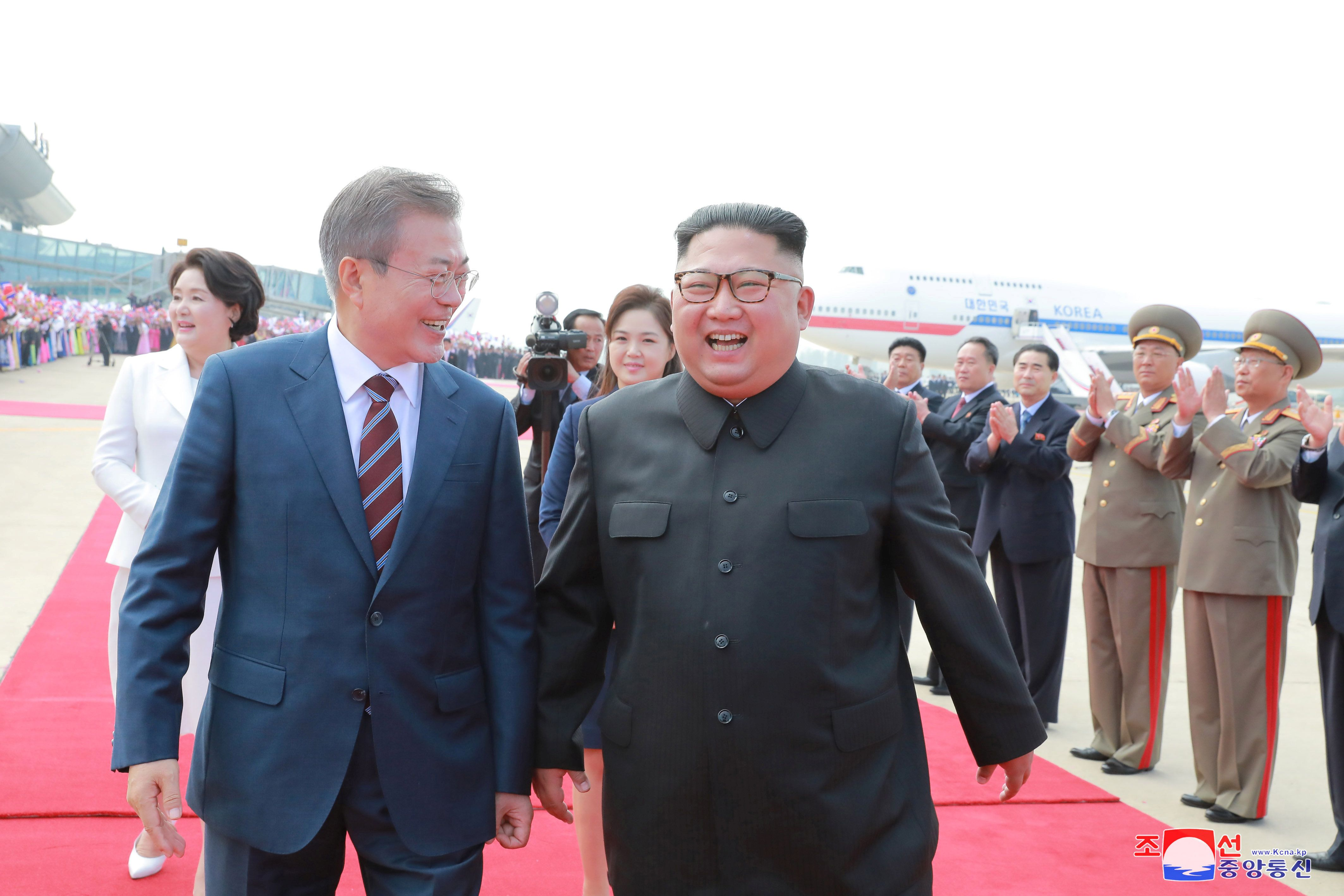 South Korean President Moon Jae-in and North Korean leader Kim Jong Un said they had discussed steps to rid the peninsula of