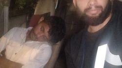 이 사진에 잠든 모습으로 등장하는 승객은 승객이 아니라 우버