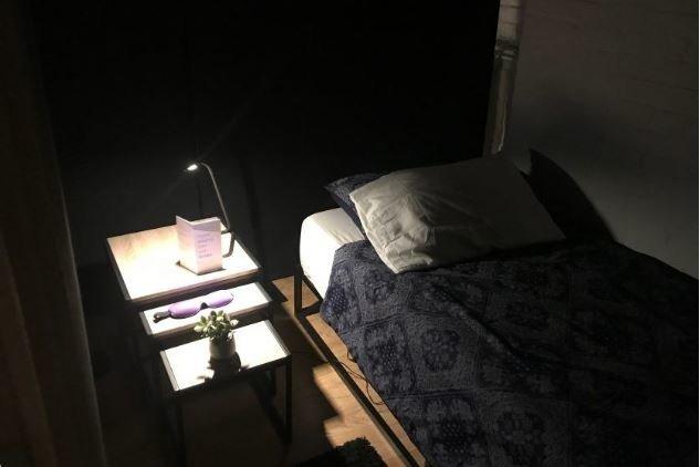Κάψουλες ύπνου: Στο Λονδίνο νοικιάζουν μικροσκοπικά δωμάτια για να κοιμηθούν μια ώρα