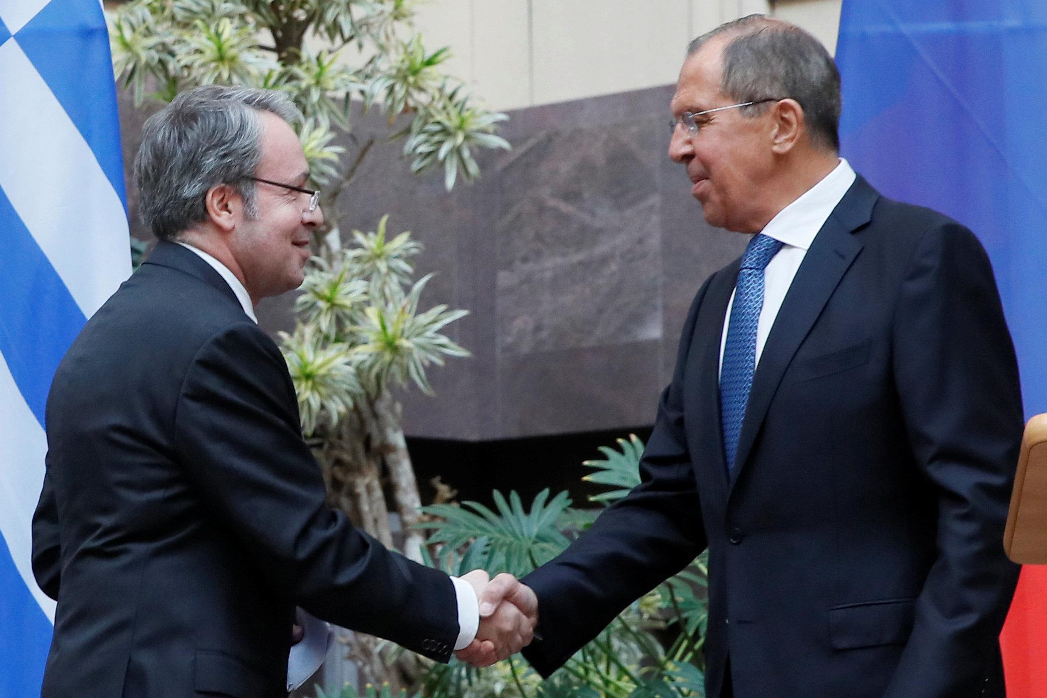 Περασμένα ξεχασμένα οι απελάσεις Ρώσων διπλωματών; Ο Λαβρόφ μιλάει θερμά για τις ελληνορωσικές