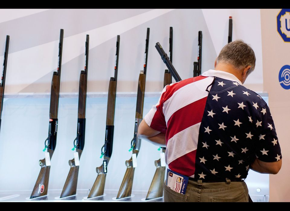 "The <a href=""http://www.reuters.com/article/2011/01/10/us-usa-shooting-guns-fb-idUSTRE7096M620110110"" target=""_hplink"">U.S. C"