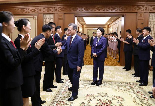 9월 20일 아침, 백화원 영빈관을 떠나는 문 대통령