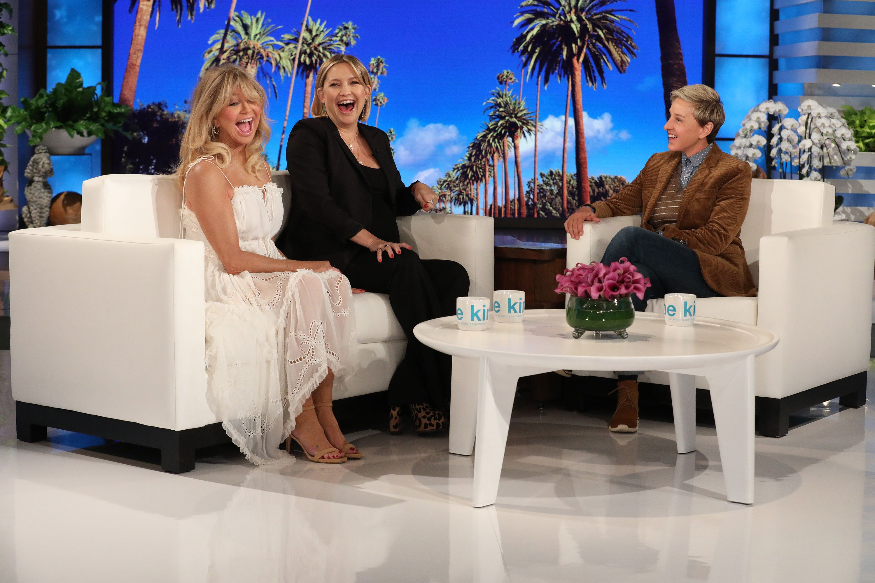 Kate Hudson Tells Ellen DeGeneres About Mom Goldie Hawn's Unusual Birthing