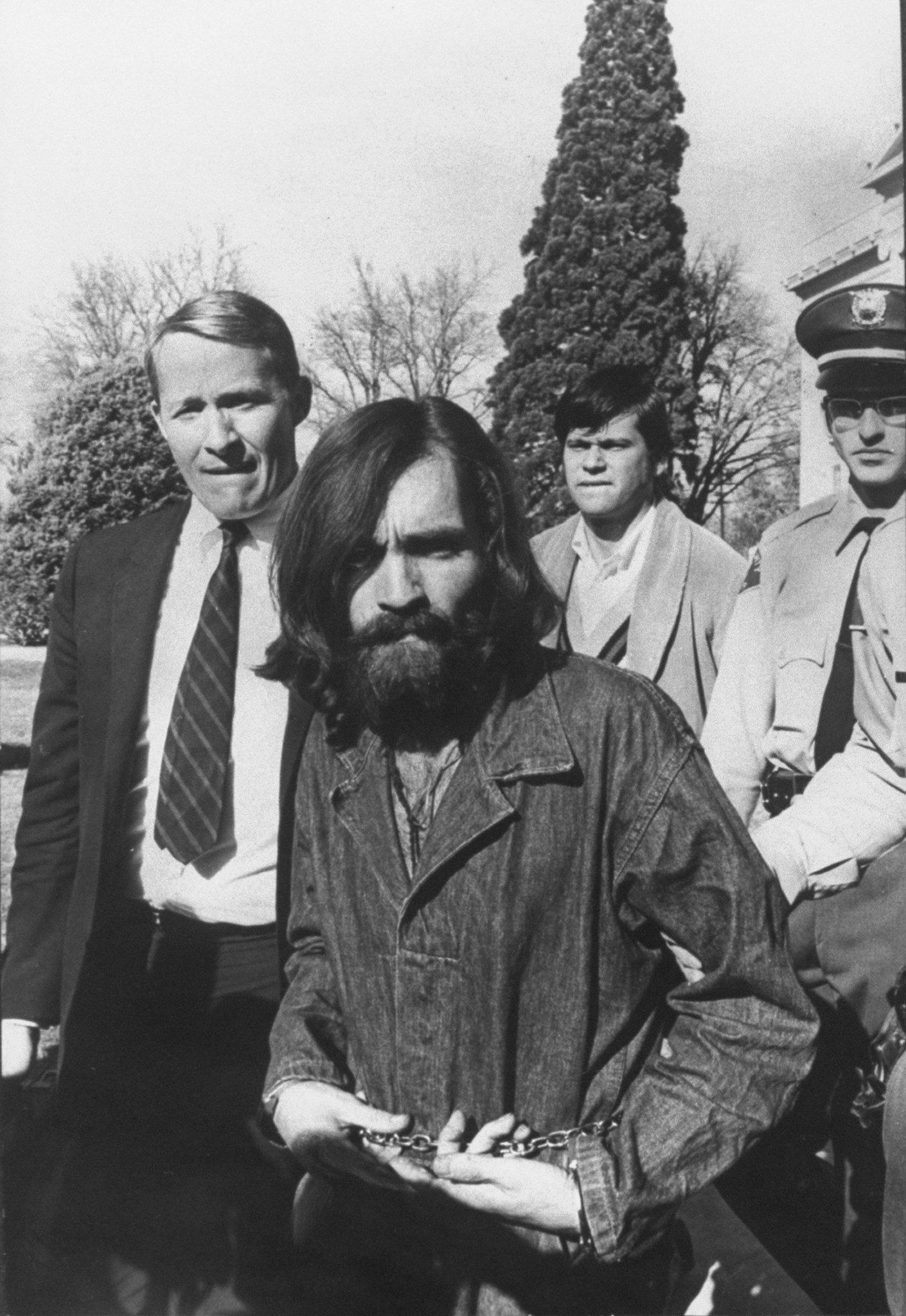 Mörder Charles Manson: Bisher verbotene Aufnahmen zeigen Leben in