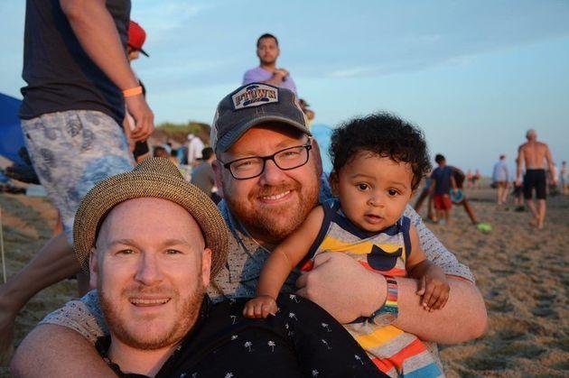 나는 게이 아빠다. 내 아들이 '세서미 스트리트'의 버트와 어니가 커플이라고 생각하길