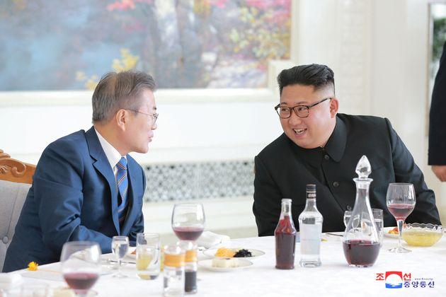 최현우는 문대통령과 김위원장 앞에서 '텔레파시 마술'을