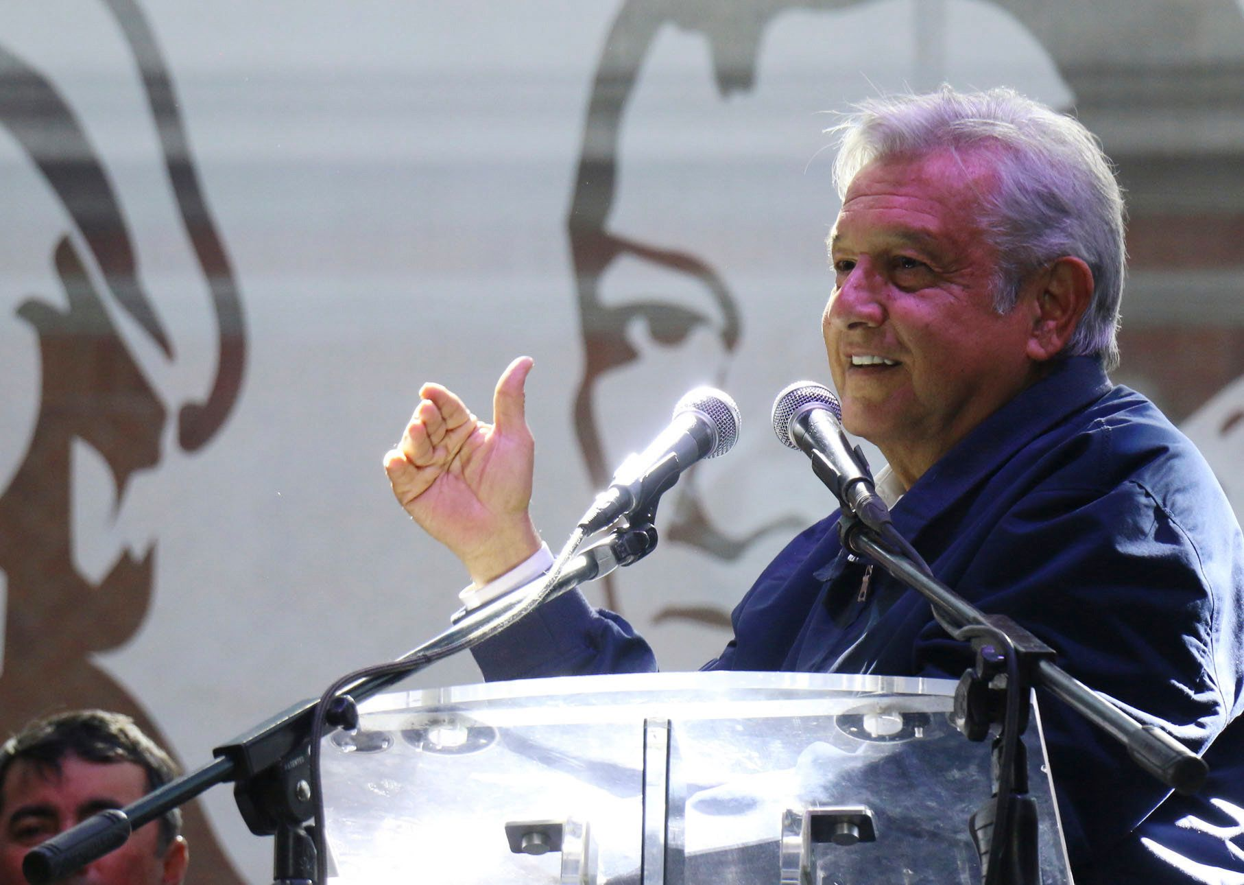 Ο πρόεδρος του Μεξικού τράβηξε πάνω του τα φώτα της δημοσιότητας αλλά ο λόγος είναι