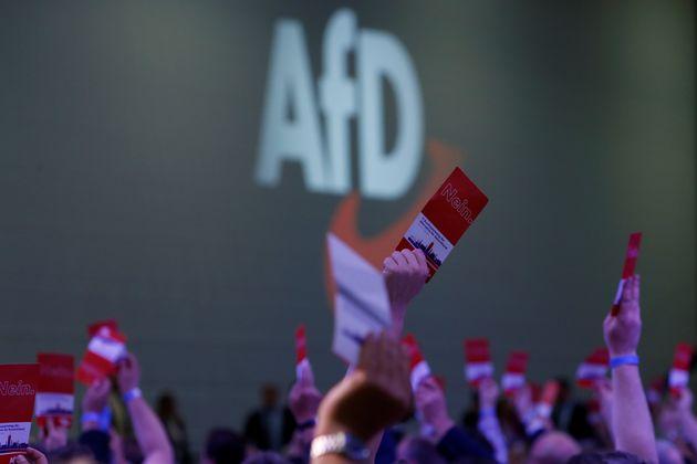 Δεύτερο κόμμα και ενισχυμένο το ακροδεξιό AfD στη Γερμανία. Συγκεντρώνει 18% σε νέα