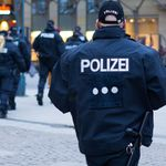Tumult in Essen: Männer wollen nach Messer-Angriff Dönerladen