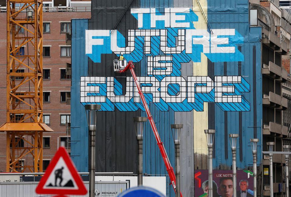 Τα περί «πολλών ευρωπαϊκών ταχυτήτων» εν μέσω καταιγιστικών στρατηγικών
