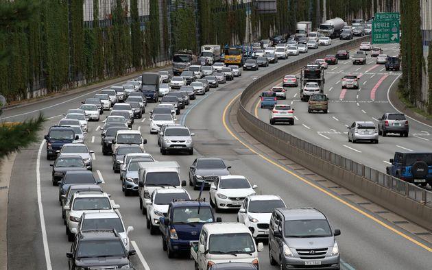본격적인 추석 연휴가 시작됐고, 고속도로는 막히기