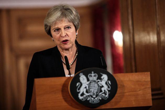 Στα πρόθυρα κρίσης για το Brexit. «Όχι» των Ευρωπαίων στο σχέδιο της Τερέζα