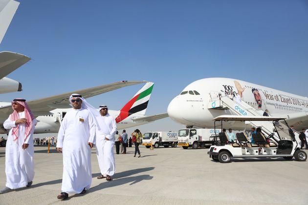 사진은 2017년 11월13일 두바이 에어쇼에서 열린 에미레이트항공의 '100번째' 에어버스 A380 도입 기념