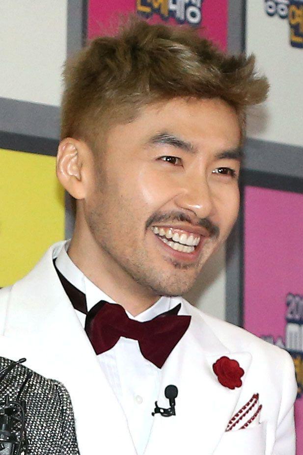 노홍철이 '무한도전' 하차 4년만에 MBC 주말예능