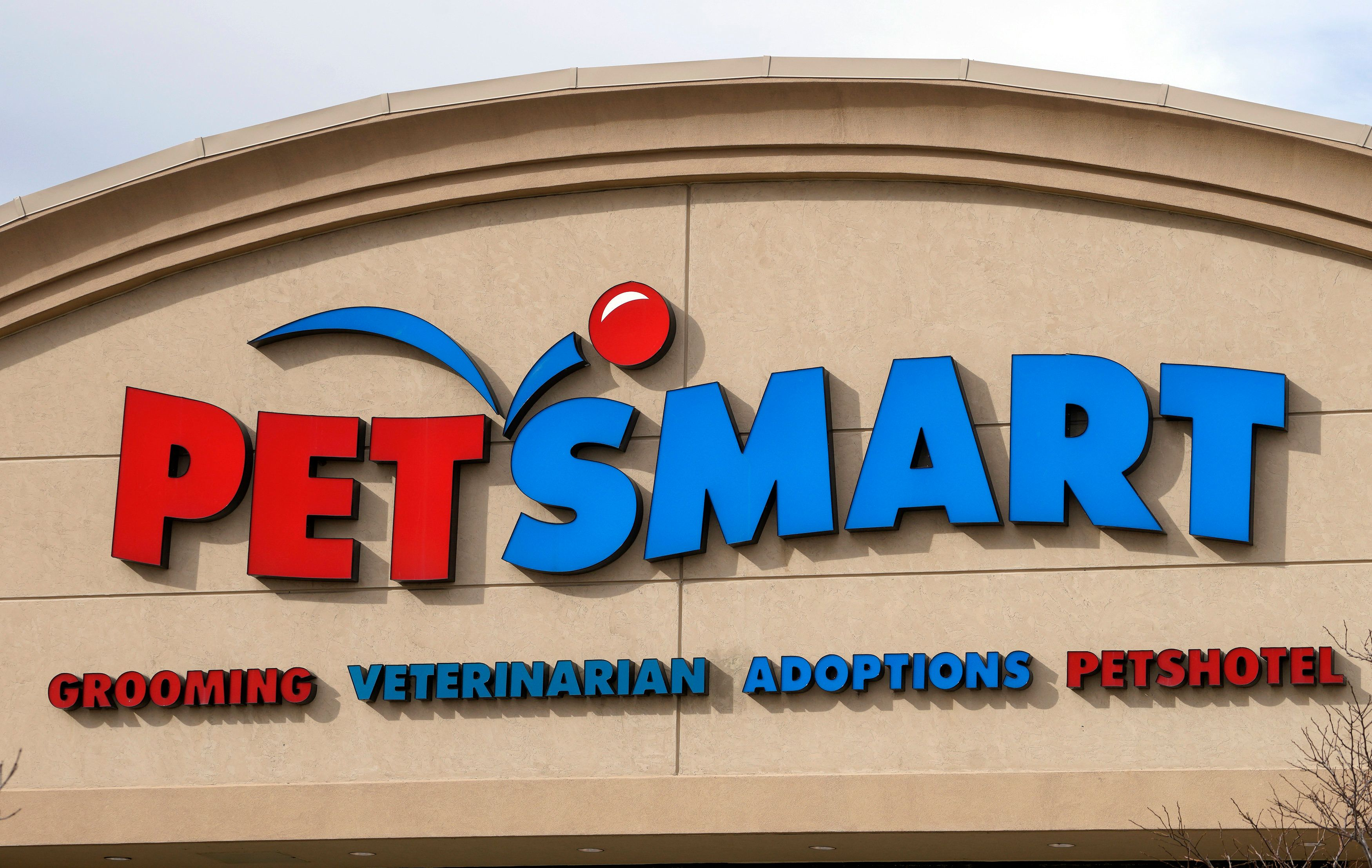 PetSmart Faces Demand For Answers After Dog Grooming Deaths