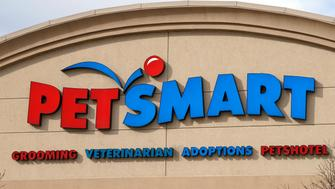 The Petsmart store in Westminster, Colorado is seen November 18, 2014. Petsmart Inc is to release its Q3 2014 earnings November 18, 2014. REUTERS/Rick Wilking (UNITED STATES - Tags: BUSINESS)