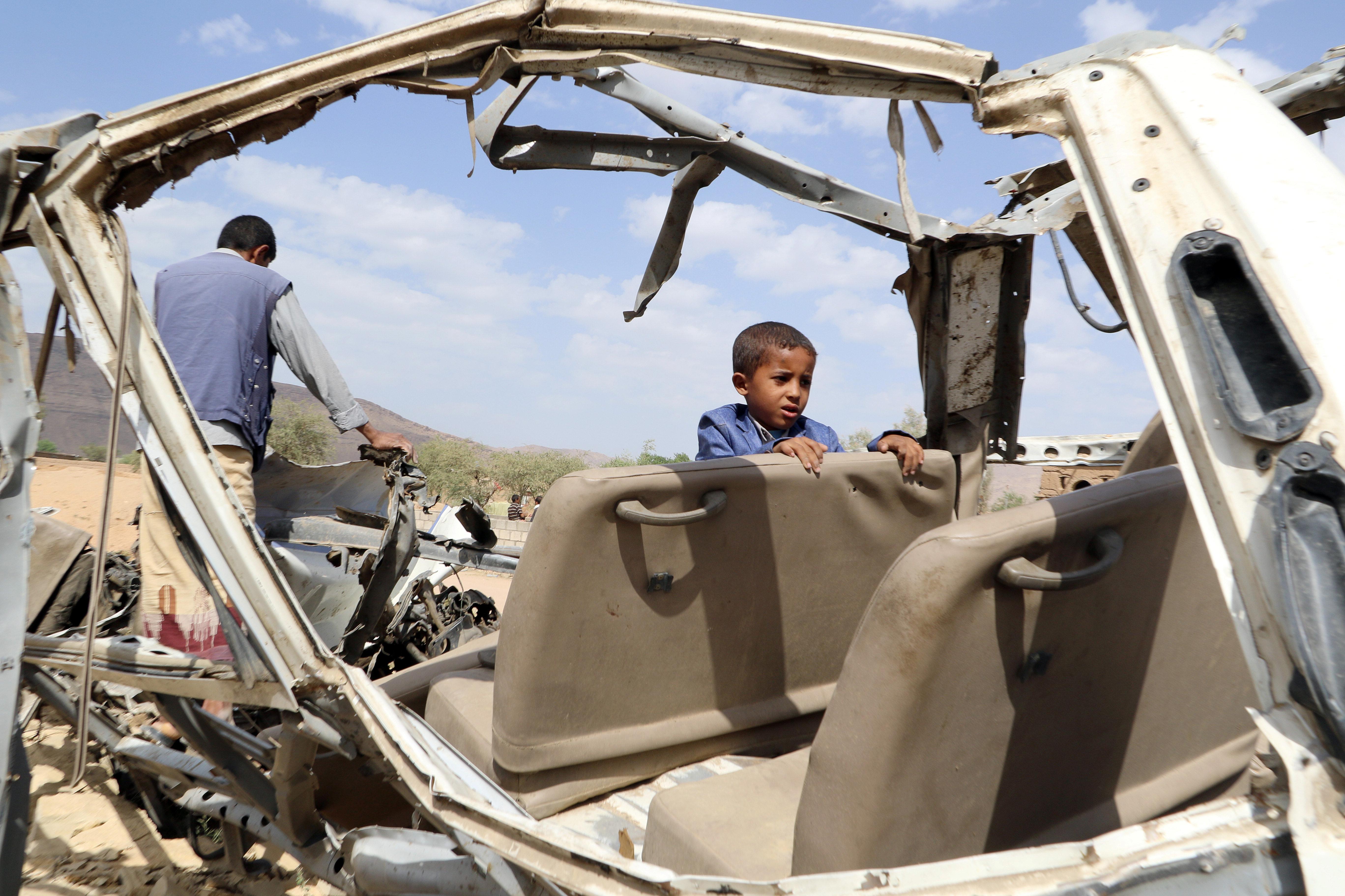 """""""예멘 어린이 전체 세대가 숨질 위험에 처해 있다"""""""