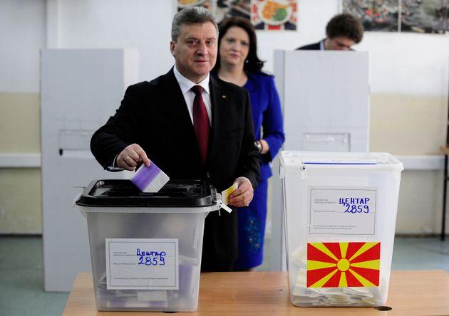 Ο Πρόεδρος Ιβάνοφ θα απέχει από το δημοψήφισμα της