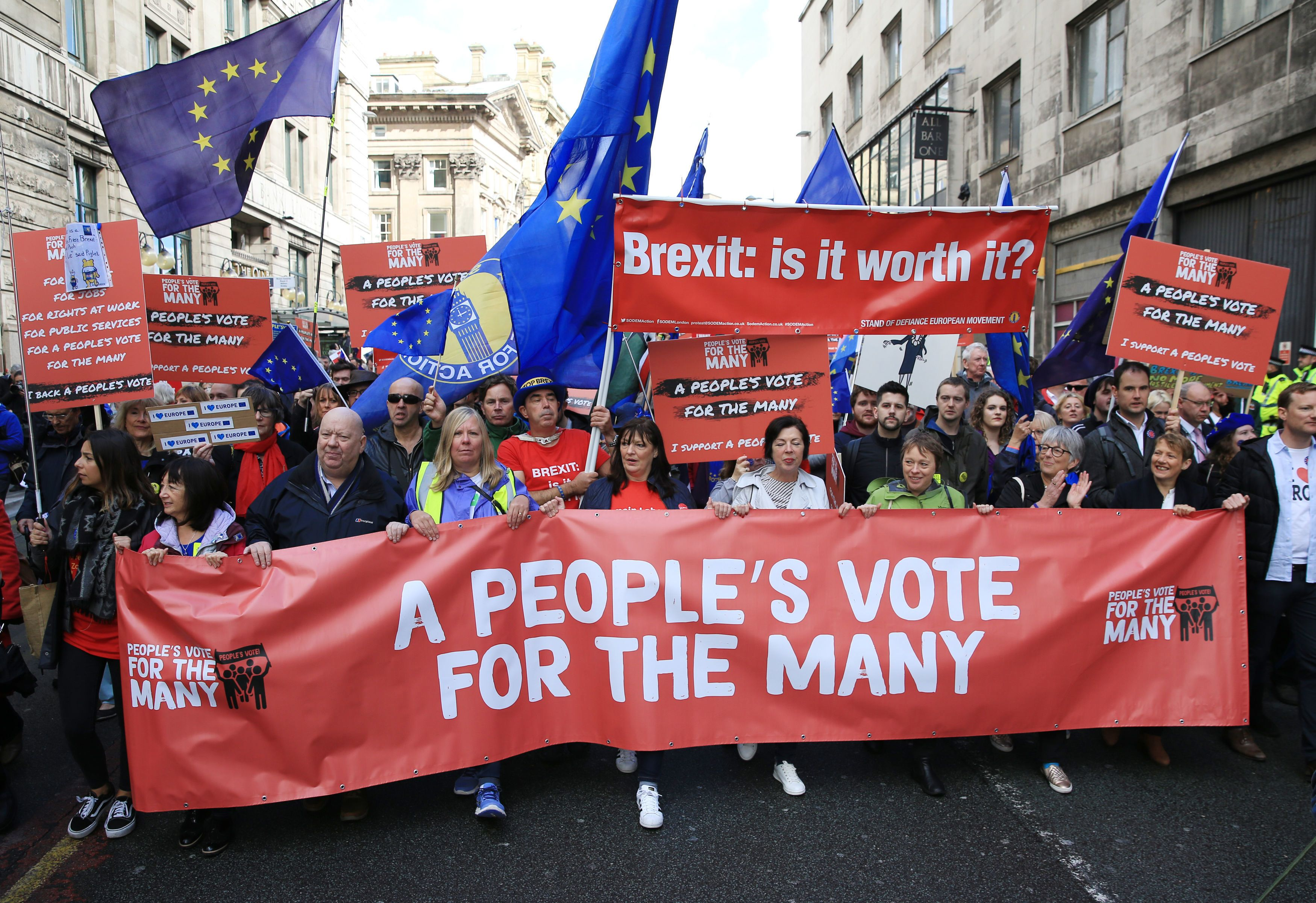 5,000 Protesters Demanding 'People's Vote' On Brexit Piles Pressure On