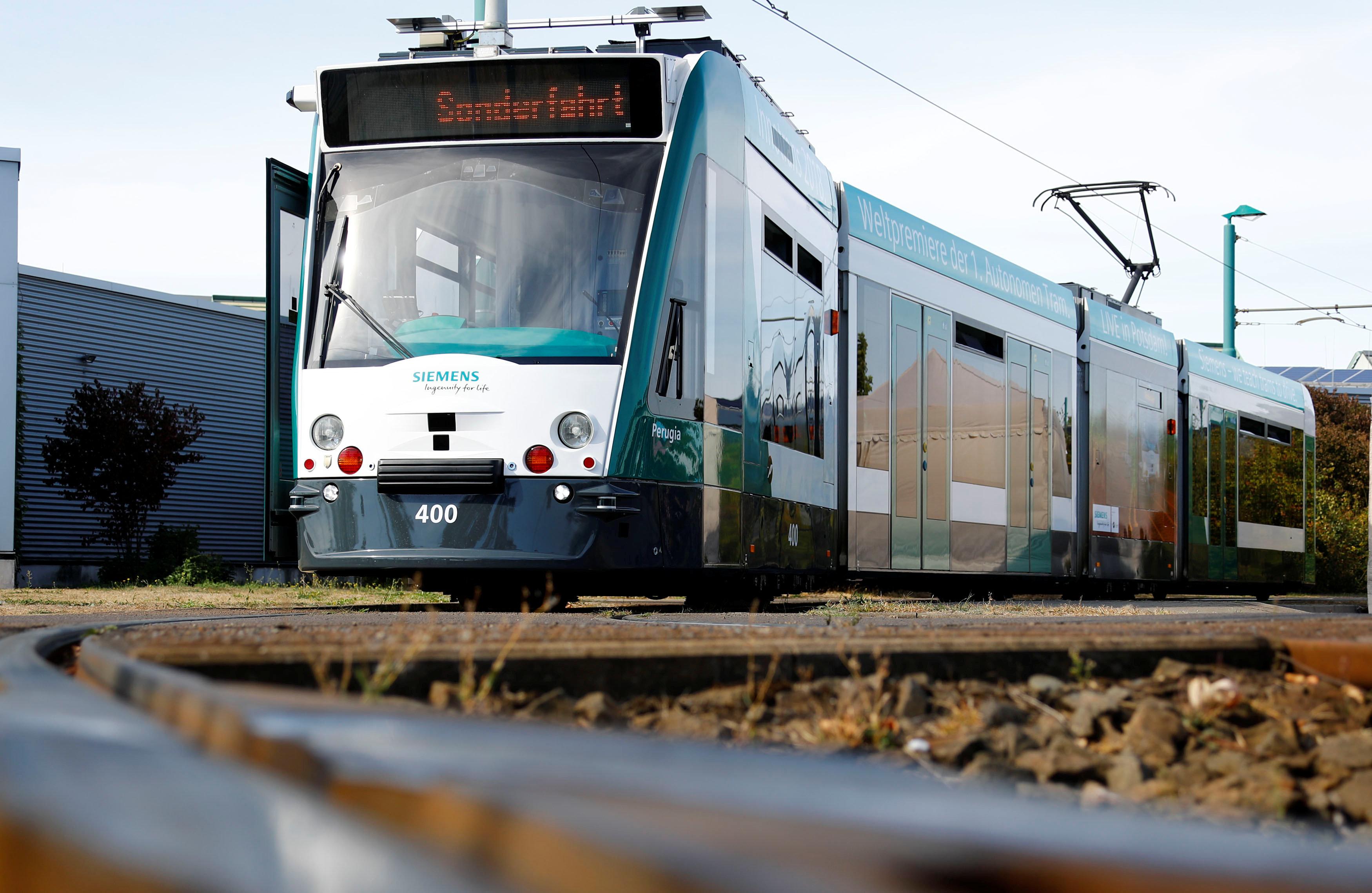 Παγκόσμια πρώτη στη Γερμανία για τo τραμ που διαθέτει τεχνητή νοημοσύνη και κυκλοφορεί χωρίς οδηγό
