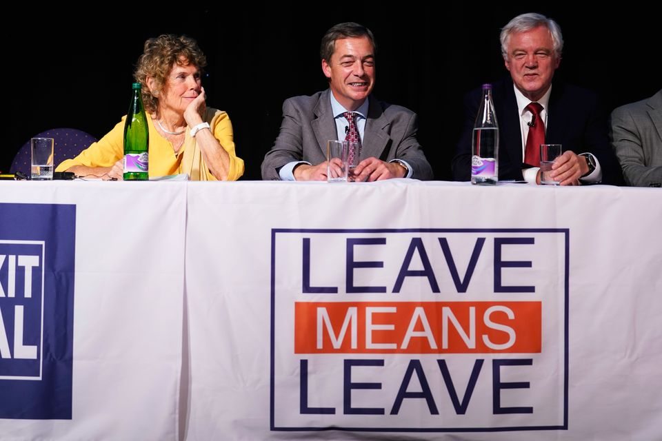 Diskussionsrunde von Brexit-Befürwortern. Mit dabei: Abgeordnete der Labour-Partei und der Konservativen...