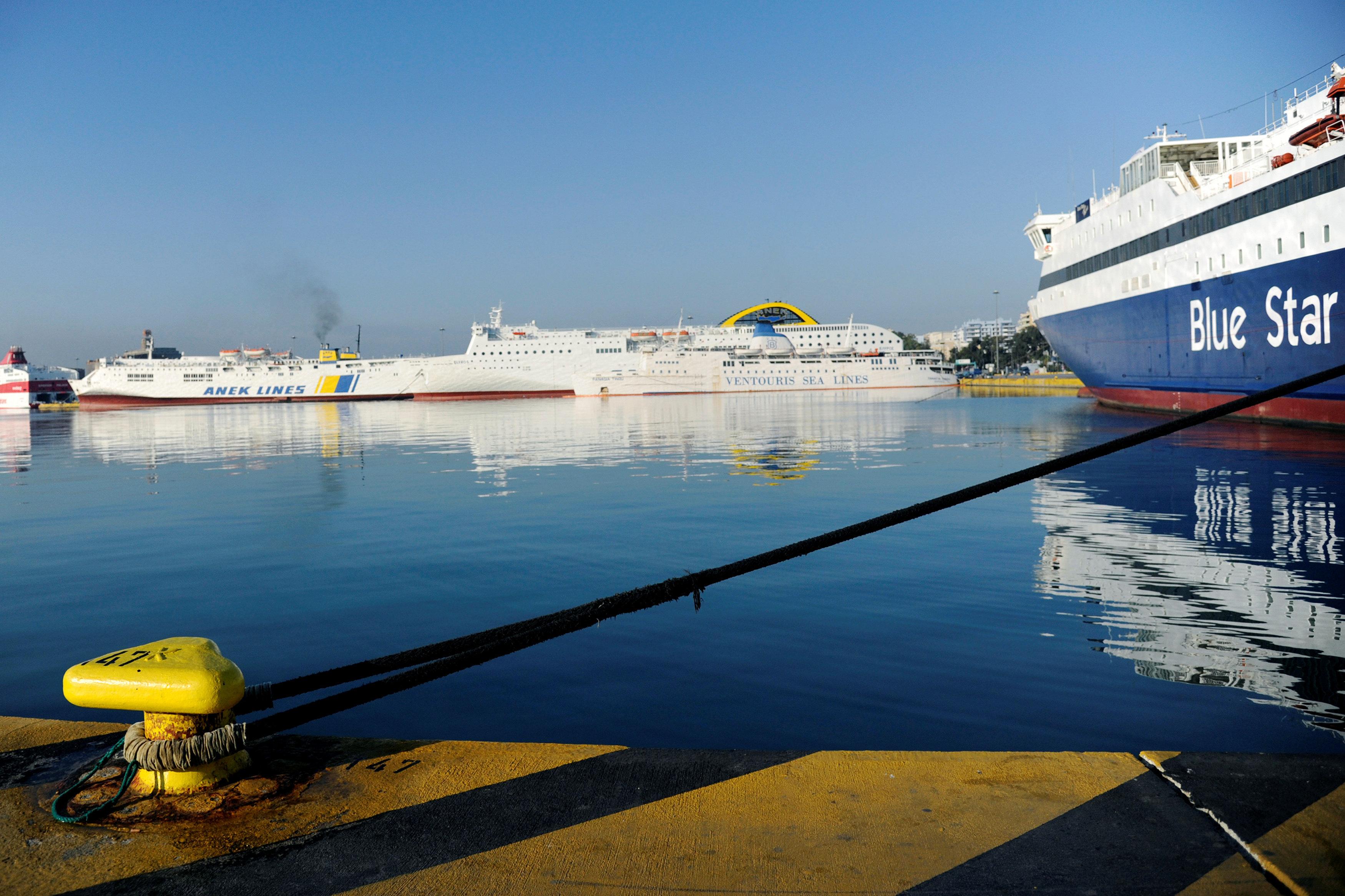 WSJ: Έλληνες εφοπλιστές αγοράζουν μαζικά γερμανικά πλοία