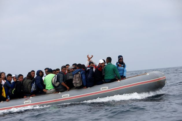 Partis du Maroc, des migrants traversent le détroit de Gibraltar en juillet
