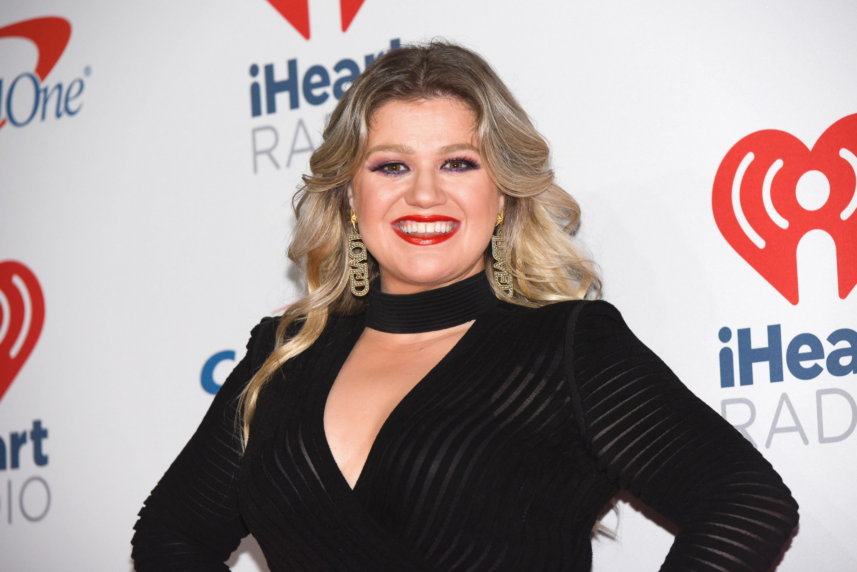 LAS VEGAS, NV - SEPTEMBER 22:  Kelly Clarkson attends the 2018 iHeartRadio Music Festival at T-Mobile Arena on September 22, 2018 in Las Vegas, Nevada.  (Photo by Tara Ziemba/FilmMagic)
