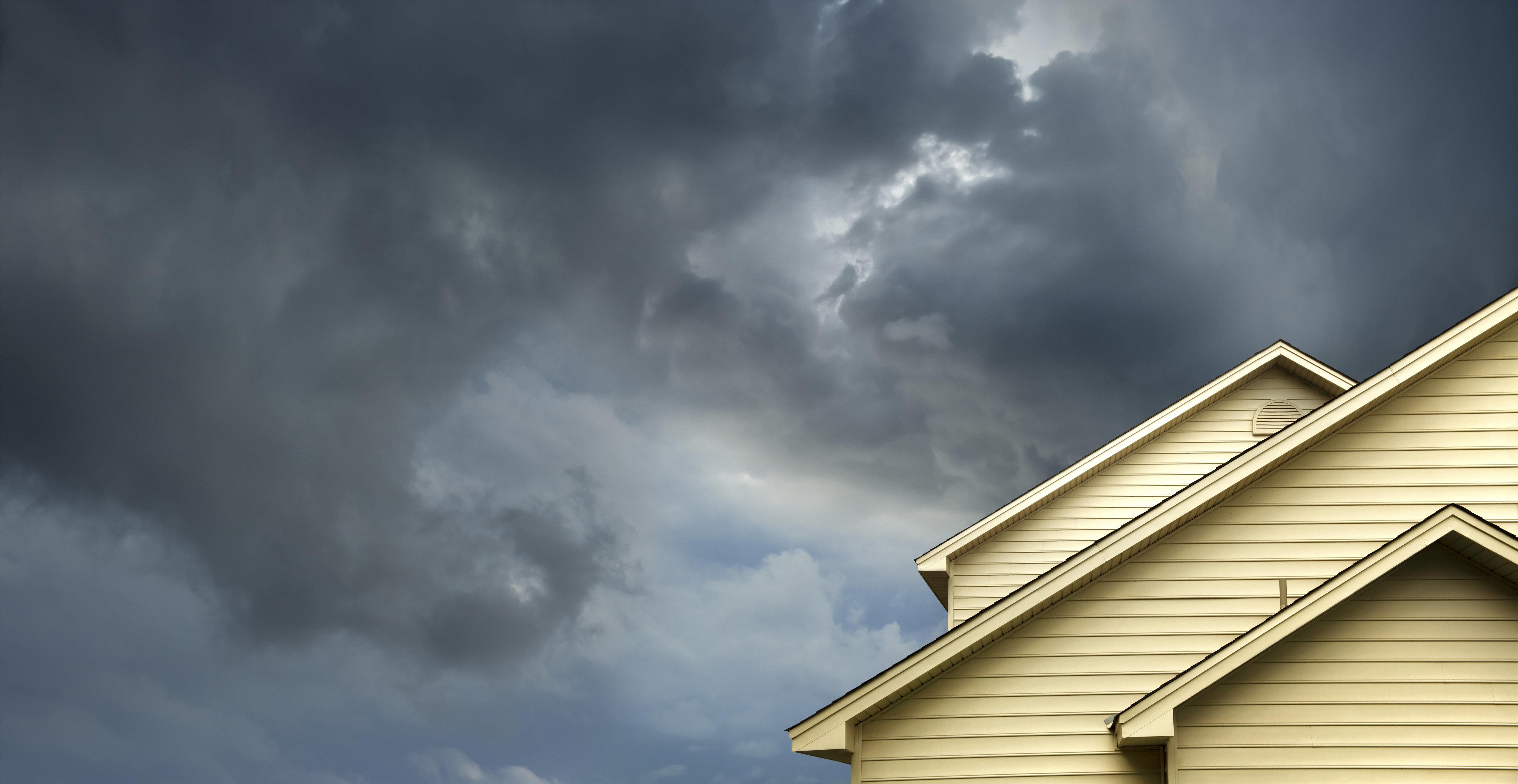 Ραγδαία μεταβολή του καιρού από σήμερα: Με ομπρέλα, αναμένοντας τα 10