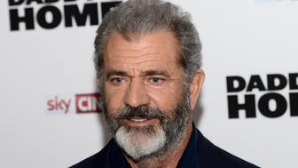 LONDON, ENGLAND - NOVEMBER 16:  Mel Gibson arrives at the UK Premiere of 'Daddy's Home 2' at Vue West End on November 16, 2017 in London, England.  (Photo by Dave J Hogan/Dave J Hogan/Getty Images)