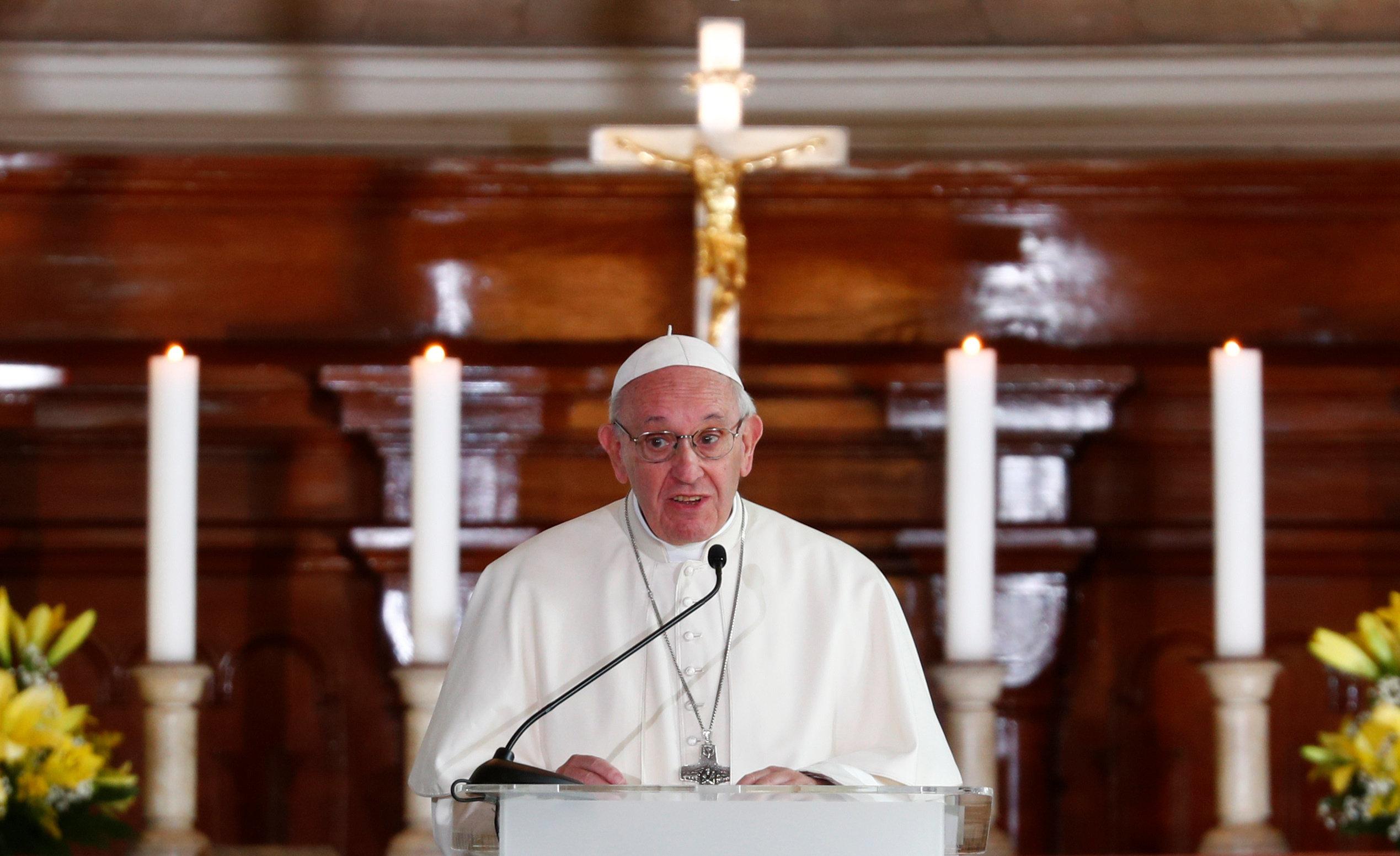 Πάπας Φραγκίσκος: «Δικαιολογημένη η οργή κατά της Εκκλησίας»