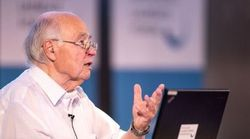 Mαθηματικός ετών 89 έλυσε το «πρόβλημα της χιλιετίας». Τι λένε οι επικριτές του