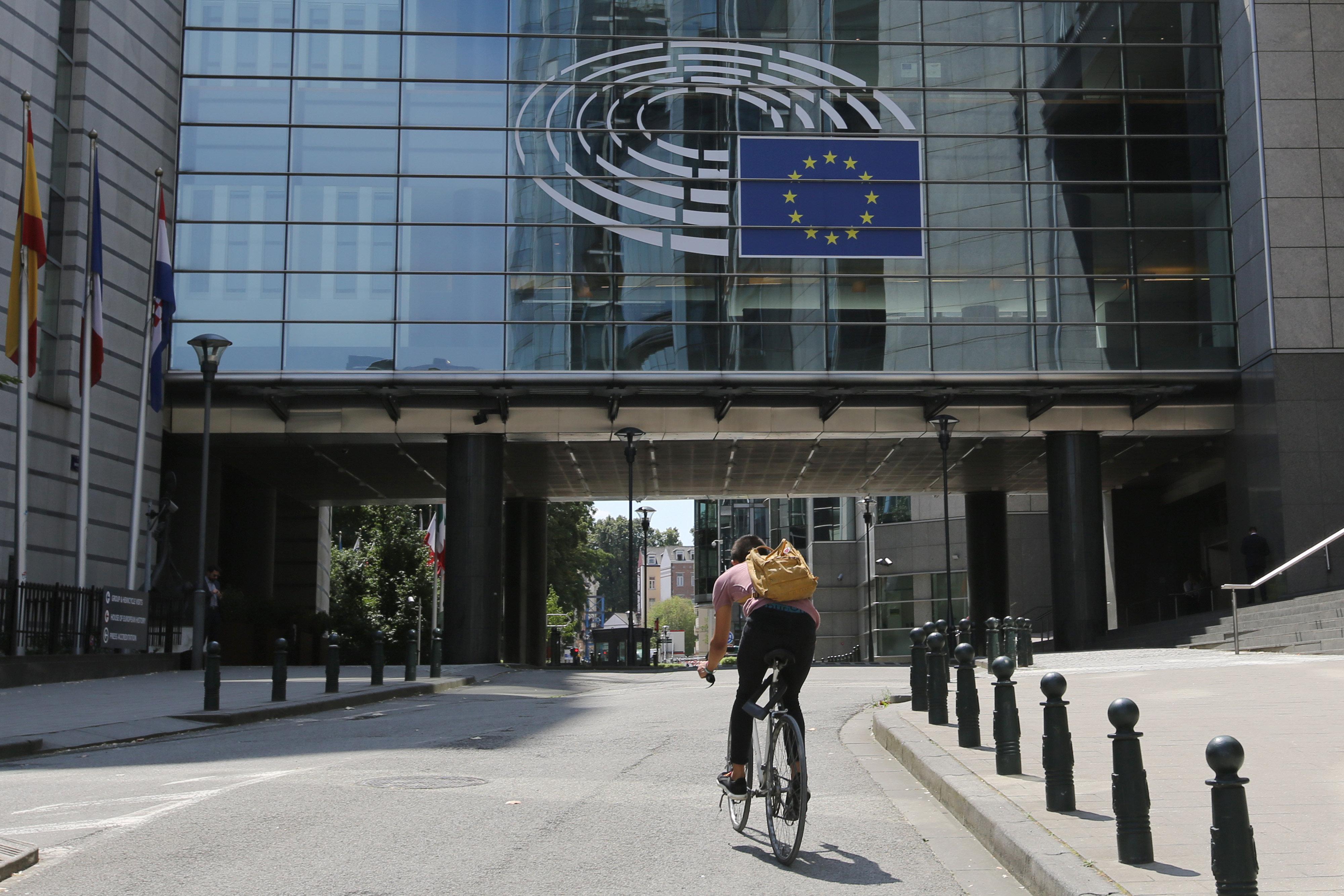 Ευρωομερτά: «Προσωπικό δεδομένο» πού ξοδεύουν οι ευρωβουλευτές 4.000 ευρώ/μήνα