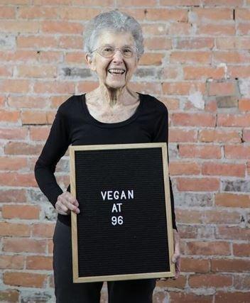 Γιαγιά ετών 97 έγινε Vegan για ένα χρόνο. Δείτε πως είναι σήμερα