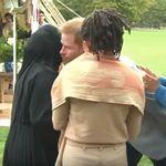 Royals: Prinz Harry soll Muslima begrüßen –und blamiert