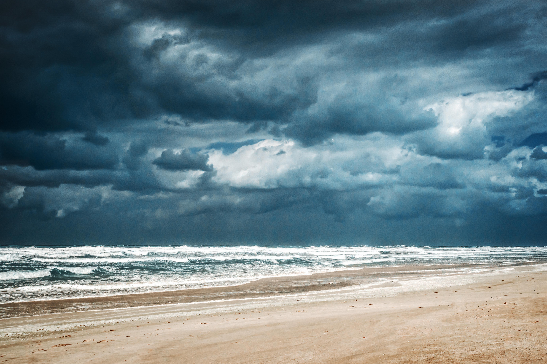 De nouveaux épisodes orageux à prévoir dès ce soir, le ministère de l'Agriculture et de la pêche appelle les marins et les pê...