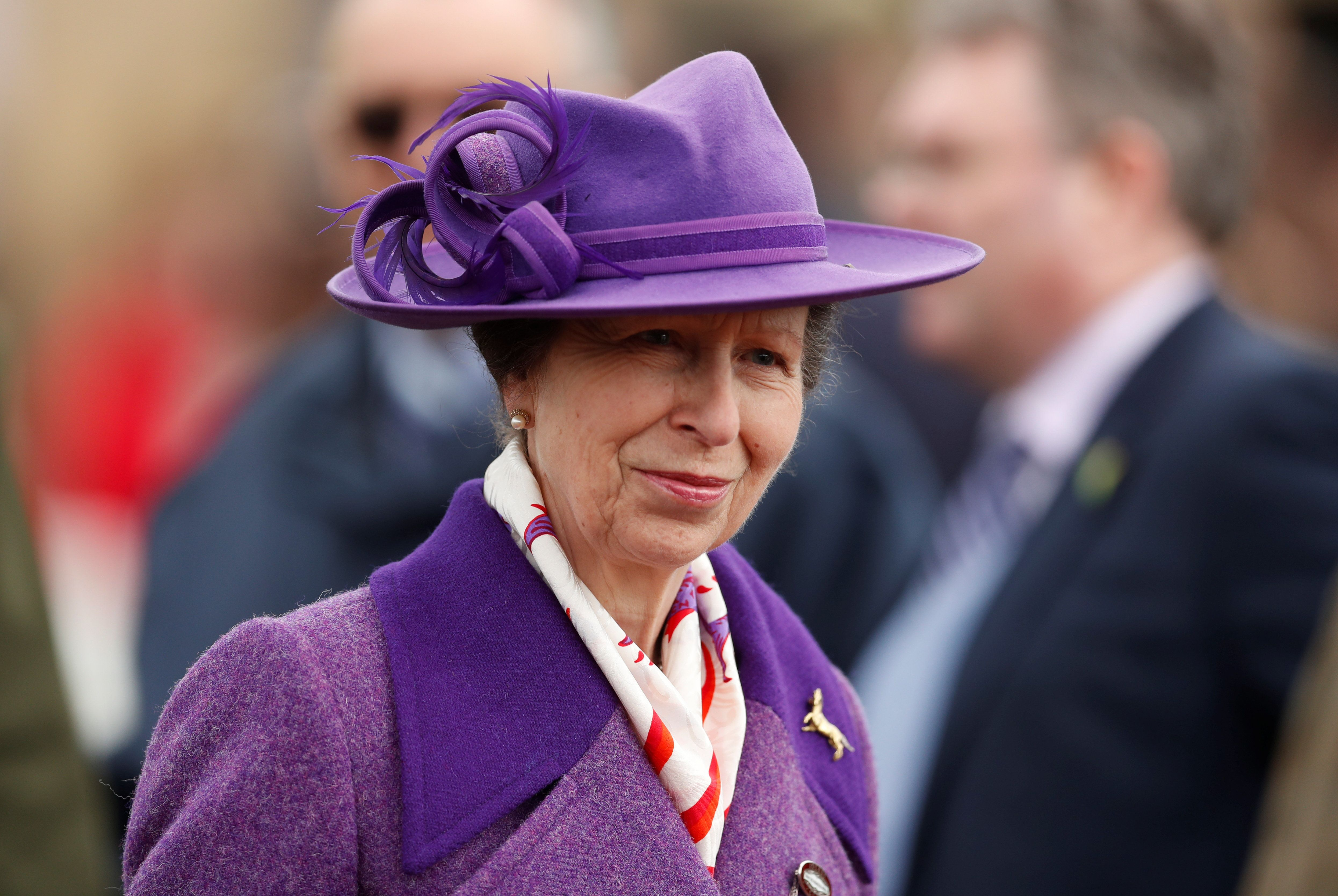 La princesa Anna en el hipódromo de Cheltenham en Gran Bretaña el 16 de marzo. & nbsp;