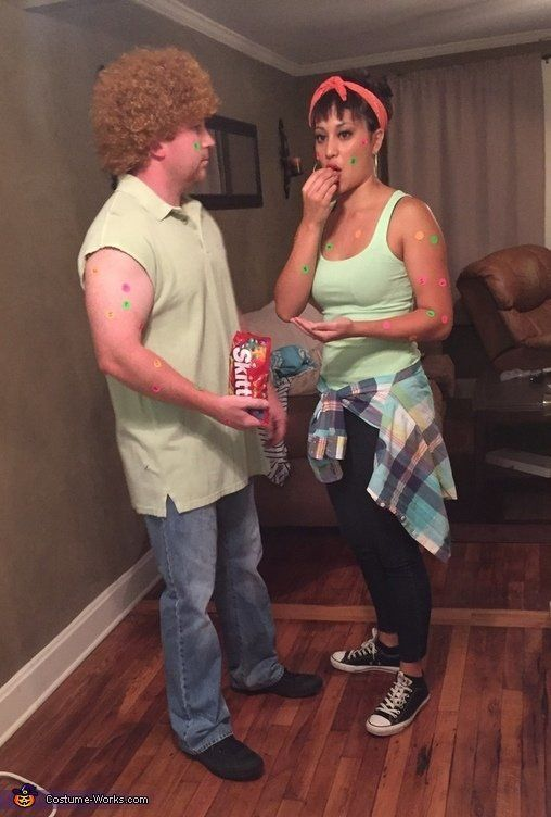 0b45bfd25 25 Funny Couple Costumes For Halloween That Are Pretty Spooktacular ...