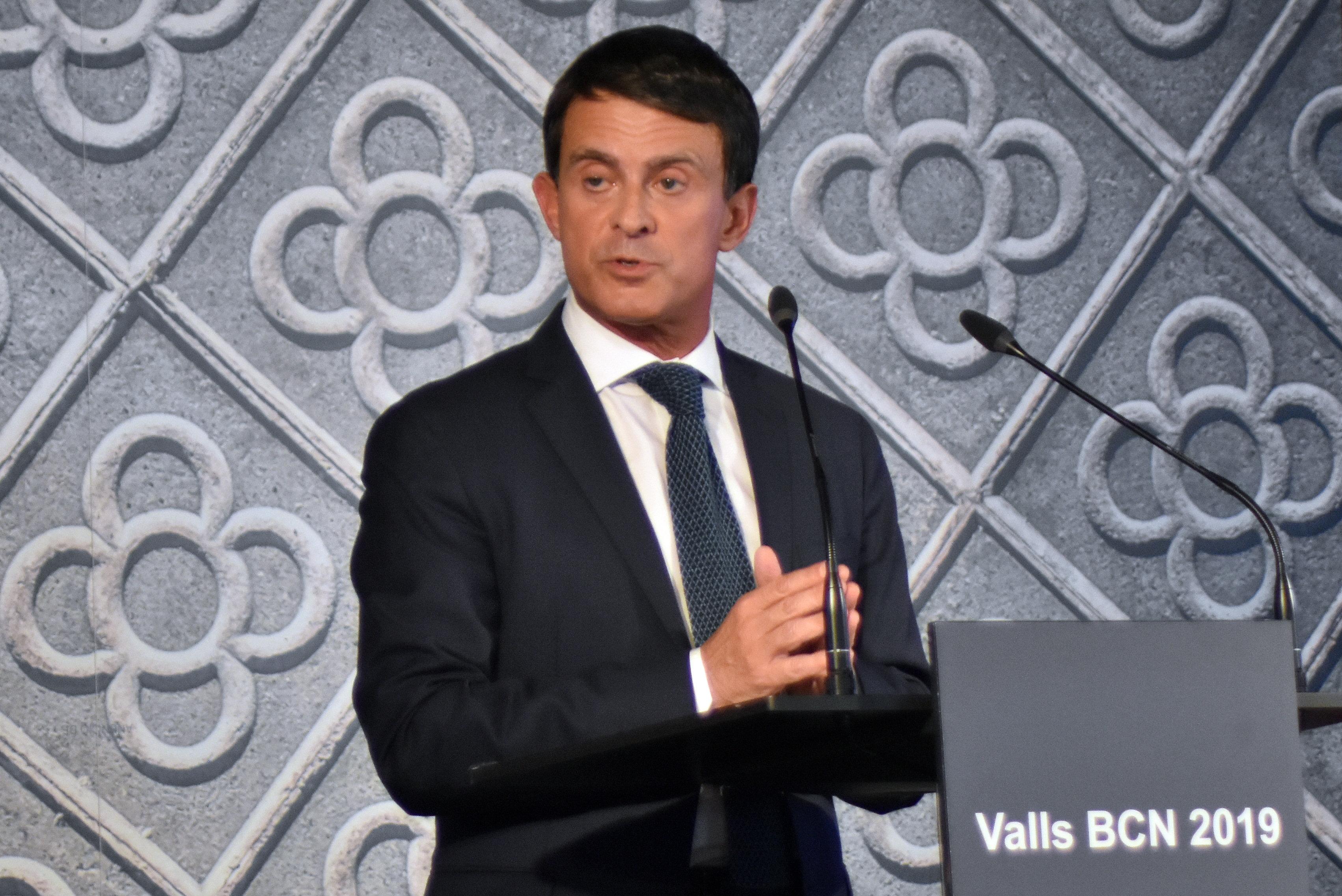L'ancien Premier ministre français Manuel Valls demande l'asile politique à