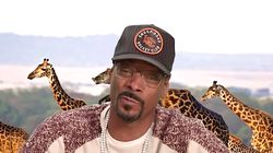 Snoop Dogg Brilliantly Calls Bat-Scorpion Fight On 'Plizzanet