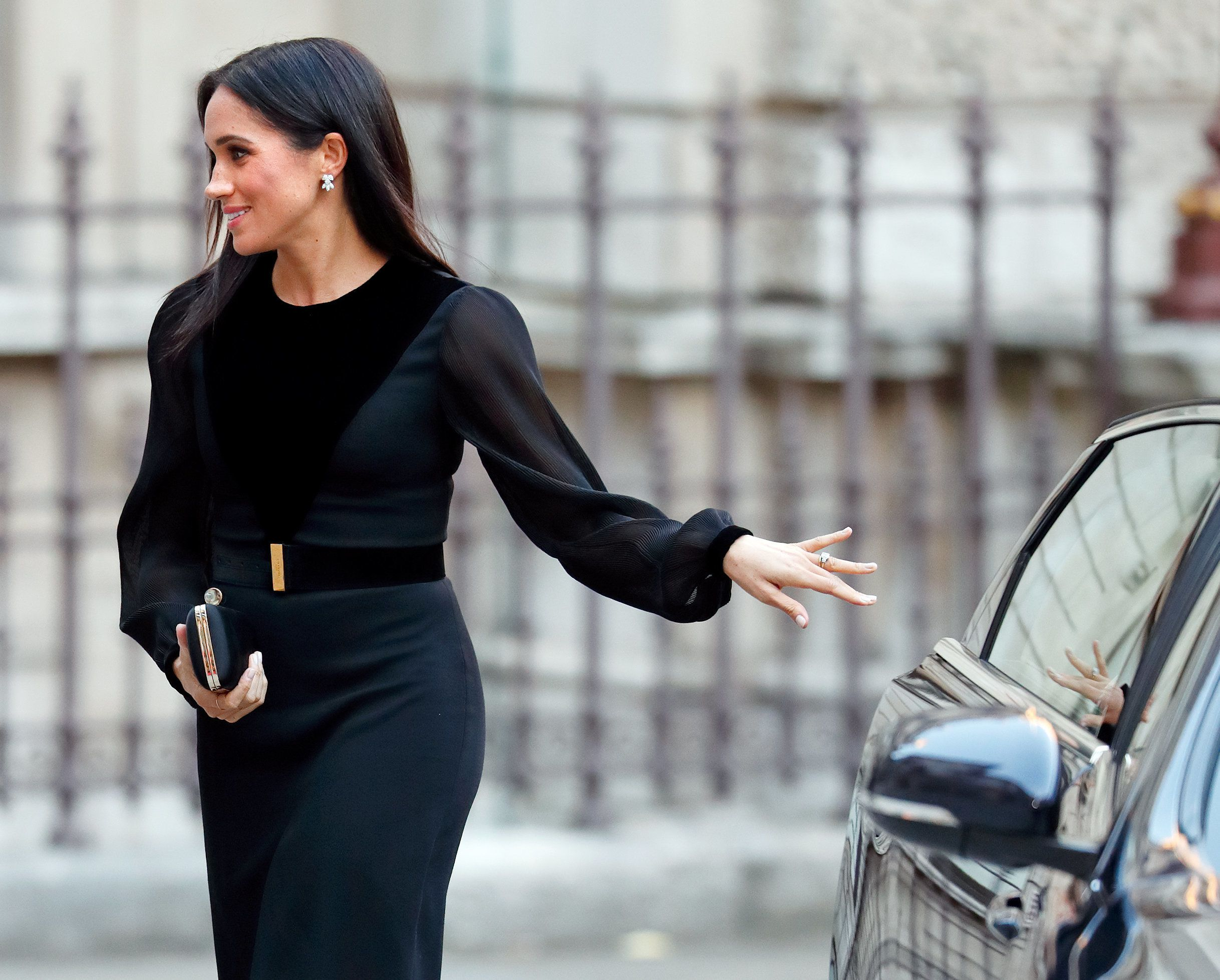 Here's Why People Are Freaking Out That Meghan Markle Closed Her Own