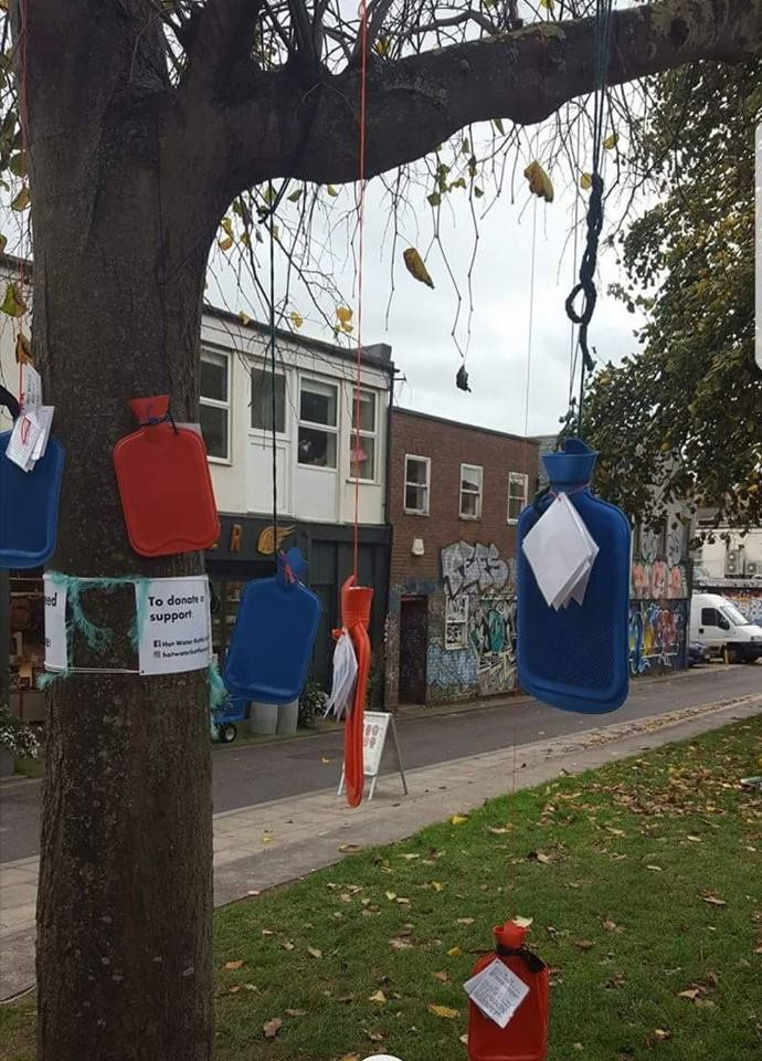 People are Tying Hot Water Bottles To Trees To Keep Homeless People Warm This
