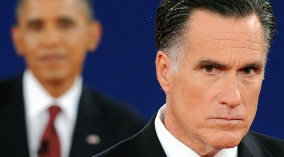 US President Barack Obama (L) Republican presidential candidate Mitt Romney (R) participate in the second presidential debate